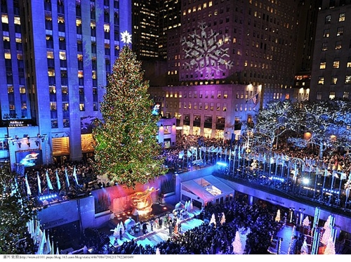 The-Rockefeller-Center-tree-lighting-ceremony