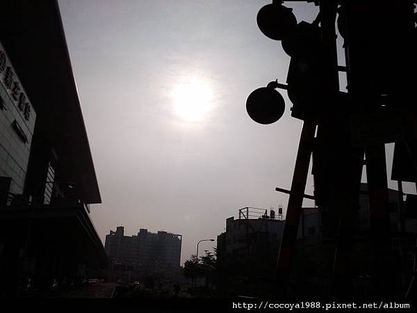 高雄-左營車站下午陽光