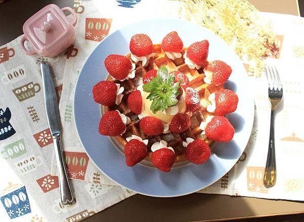 20181216草莓鬆餅-2.jpg