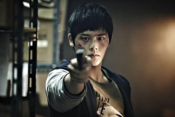 04. 人氣團體ZEA帝國之子 金桐俊,在《超完美殺手》中出任關鍵角色,成功從歌壇轉戰大銀幕。