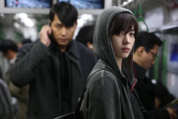 01. 韓孝珠憑藉《監諜任務》獲頒青龍獎最佳女主角,展現生涯突破性演出。