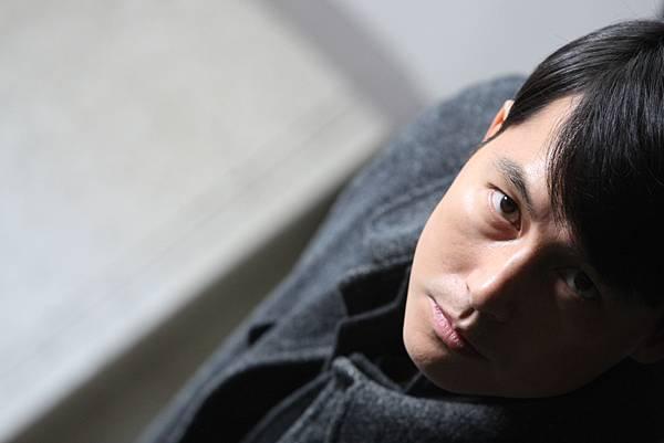 03. 以溫柔浪漫外型深植人心的帥氣男星 鄭雨盛,在息影四年後,以《監諜任務》中全力顛覆形象的反派角色強勢回歸。