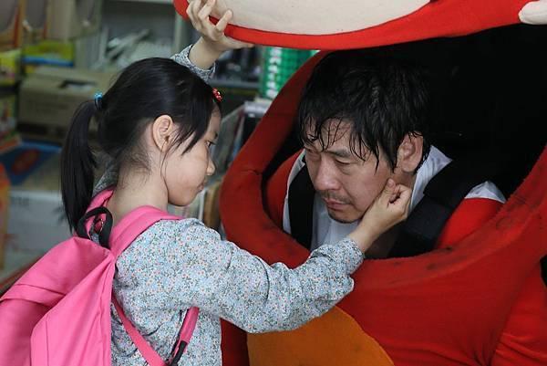 02. 《希望:為愛重生》聚焦於遭逢創傷後的重生故事,細膩、樸實而真誠的拍攝讓韓國影迷、影評與媒體一致給予盛讚與正面回饋。