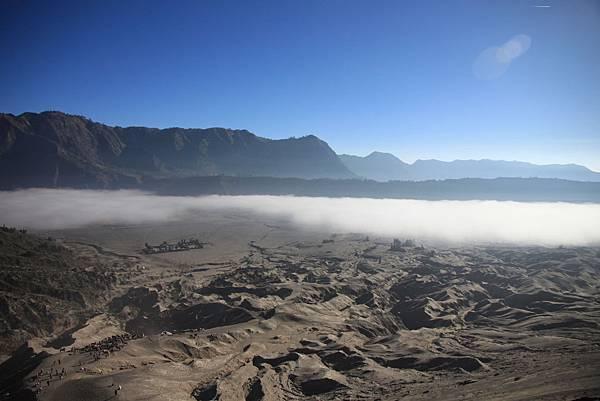 0215火山口上回頭看2