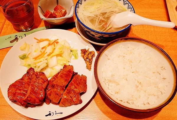 炭烤牛舌 利久 (3).JPG