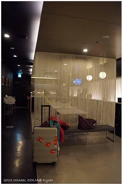 lobby 02.JPG