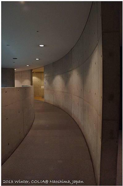 entrance07.JPG