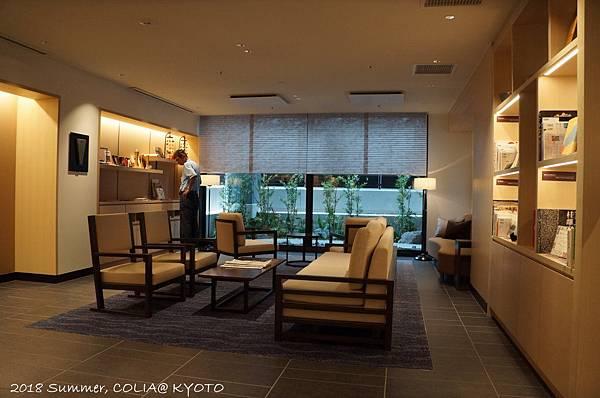 2-interior 05.JPG