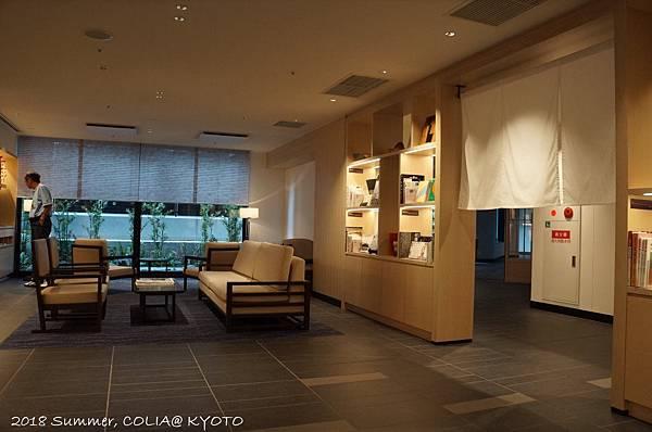 2-interior 06.JPG