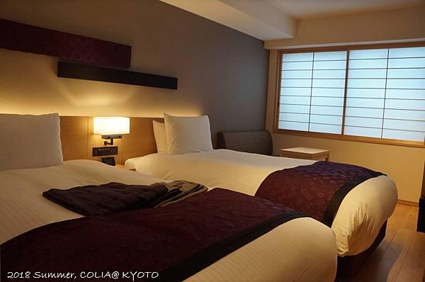3-room 02.JPG