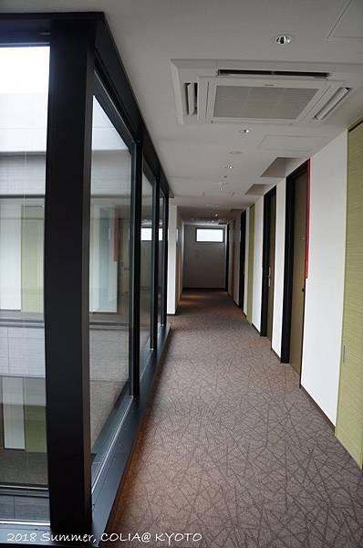 2-interior 07.JPG
