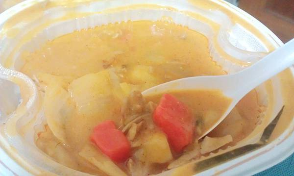 全家泰式椰香咖哩雞燴飯3