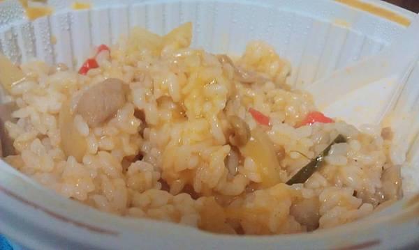 全家泰式椰香咖哩雞燴飯4