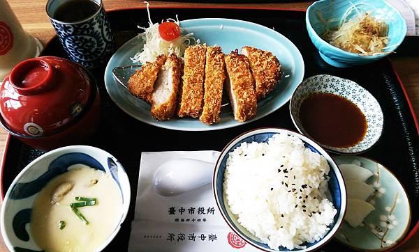 台中市役所Cafe 1911昭和沙龍古典玫瑰園4.jpg