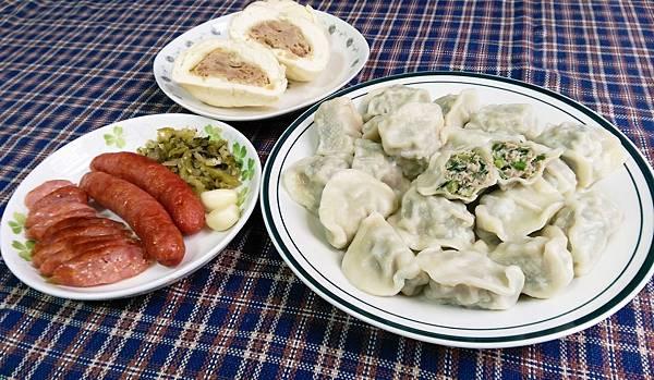 魚有王韭菜鮪魚水餃巨無霸鮪魚肉包黑鮪飛魚卵香腸.jpg