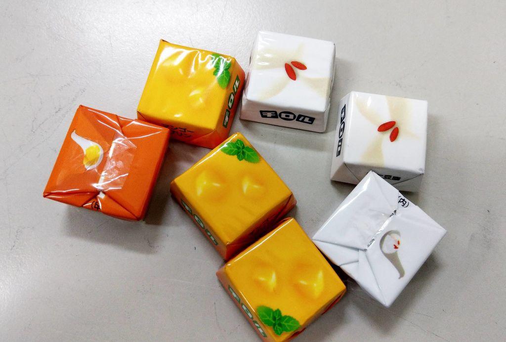 滋露中華甜點巧克力麵包屋綜合巧克力4.jpg