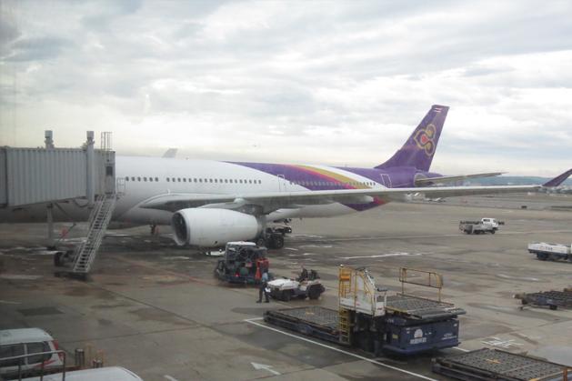 在桃園機場待機室拍了等等要搭的泰航航空