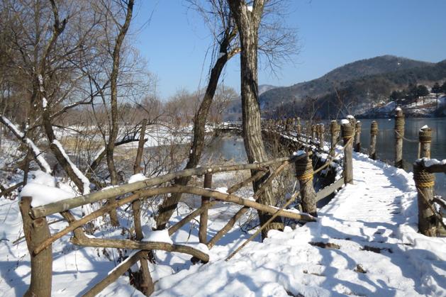 有如獨木橋似的虛幻橋