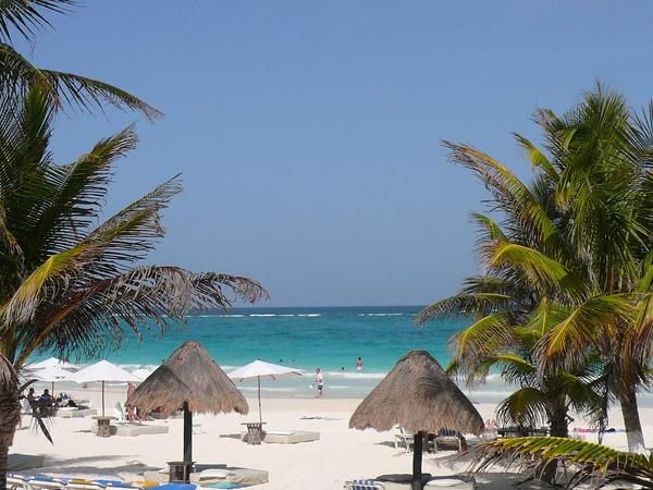 El paraiso beach.JPG