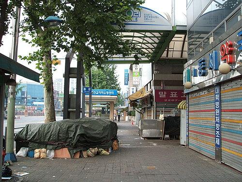 尚未開市的東大門市場