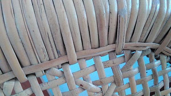 ( 藤椅 )藤製品  挑選購買時要特別注意的地方-裂痕/表皮健康度/纏繞密實度-02