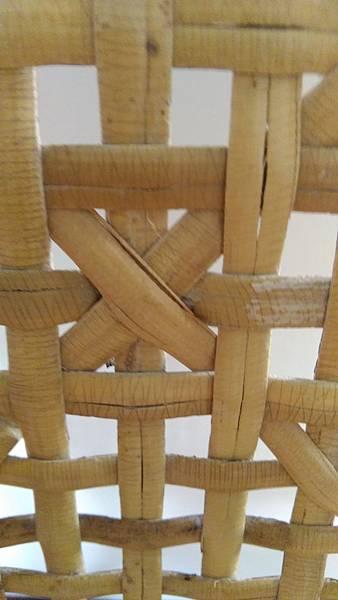 ( 藤椅 )藤製品  挑選購買時要特別注意的地方-裂痕/表皮健康度/纏繞密實度-06