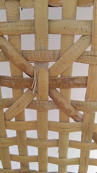 ( 藤椅 )藤製品  挑選購買時要特別注意的地方-裂痕/表皮健康度/纏繞密實度-07
