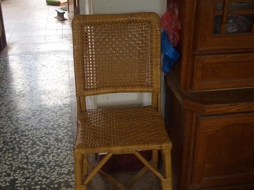 ( 藤椅 )藤製品  挑選購買時要特別注意的地方-裂痕/表皮健康度/纏繞密實度-a2