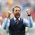 【2018世足賽】英格蘭總教練 Gareth Southgate 的「藍色西裝背心」大熱銷~帥唄~^0^  1