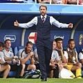 【2018世足賽】英格蘭總教練 Gareth Southgate 的「藍色西裝背心」大熱銷~帥唄~^0^ 3