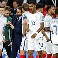 【2018世足賽】英格蘭總教練 Gareth Southgate 的「藍色西裝背心」大熱銷~帥唄~^0^ 5