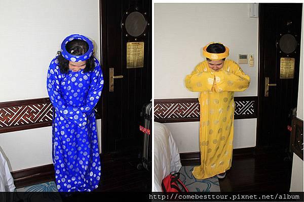 越服第一次到越南也是第一次在船上過夜,更是第一次體驗越南傳統服飾 一直以為越南傳統服飾跟中國的傳統服飾有著很大的不同 但直到看到服飾,除了帽子不太一樣外,衣服幾乎一樣.