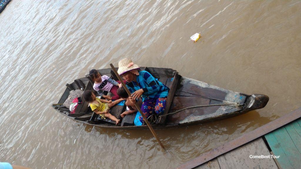 洞里薩湖 越南難民.jpg
