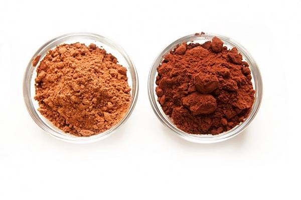 natural-vs-dutched-cocoa-istock_1.jpg