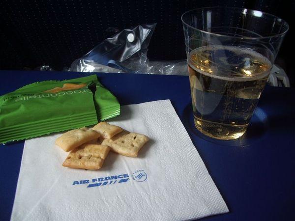 蘇打餅+香檳