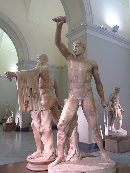 statue 12