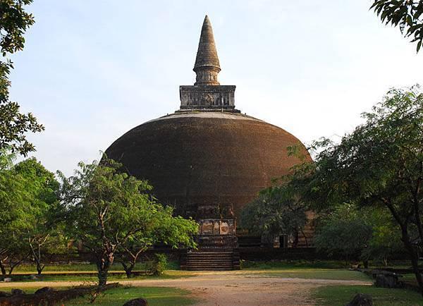 Polonnaruwa 30c