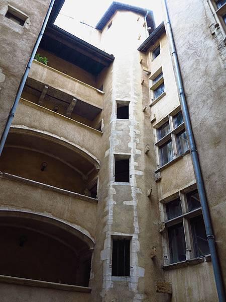 Lyon d8.JPG