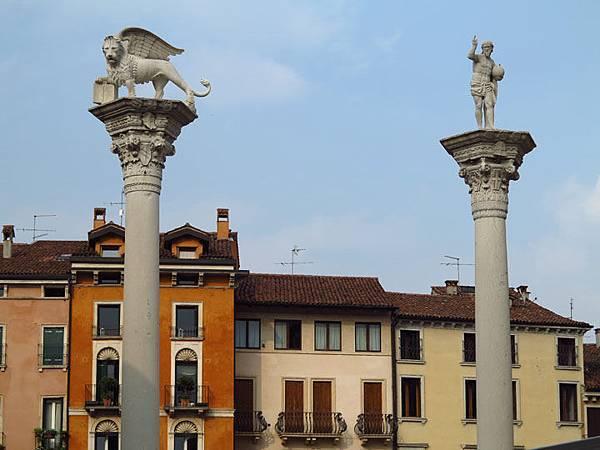 Vicenza b1.JPG