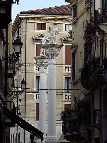 Vicenza b2.JPG