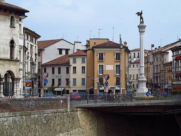 Vicenza b5.JPG