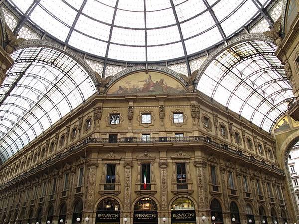 Milan b2.JPG