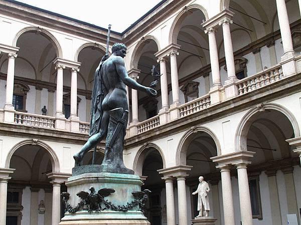 Milan c1.JPG