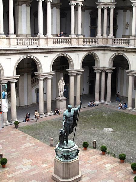 Milan c3.JPG