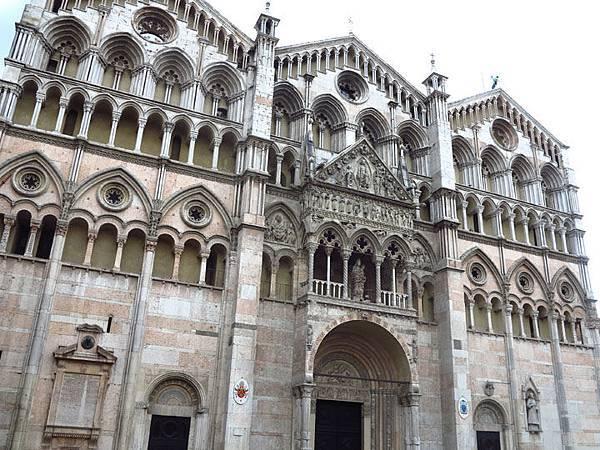 Ferrara b1.JPG