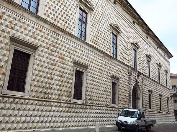 Ferrara e2.JPG