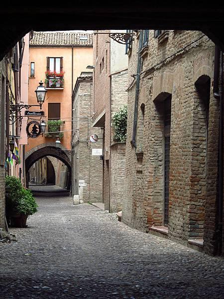 Ferrara e9.JPG