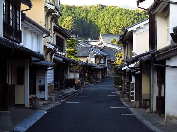 Uchiko b1.JPG
