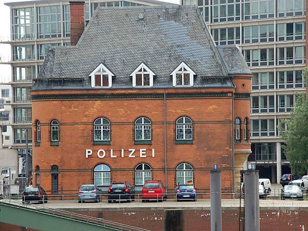 Hamburg f4.JPG