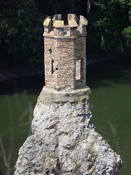 Devin Castle c4.JPG